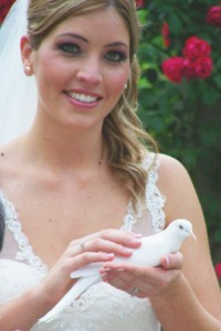 unique wedding pictures with a dove